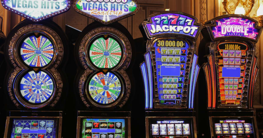 Playing Slots for a Living